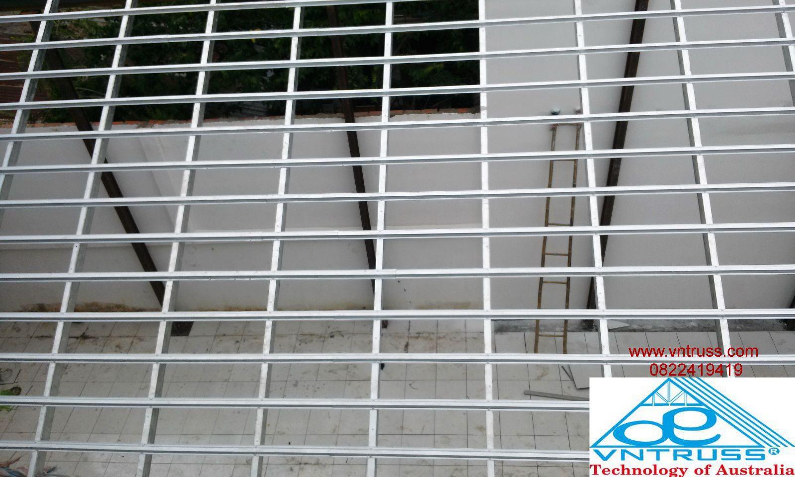 thi công khung kèo  thép mạ siêu nhẹ chống rỉ vntruss cho kết cấu mái nhà lợp ngói